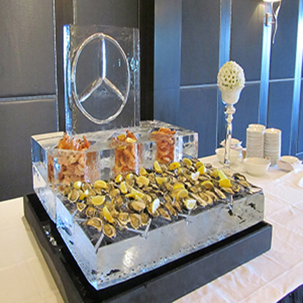 bar_seafood_white_logo_Mercedes