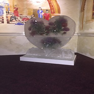 1-meter-square-heart-still-frosty-large