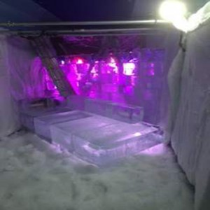 ice-lounge-and-wall-large